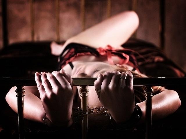 наручники кровать и секс картинки